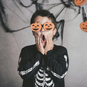 8 idées pour fêter Halloween avec les enfants en restant à la maison